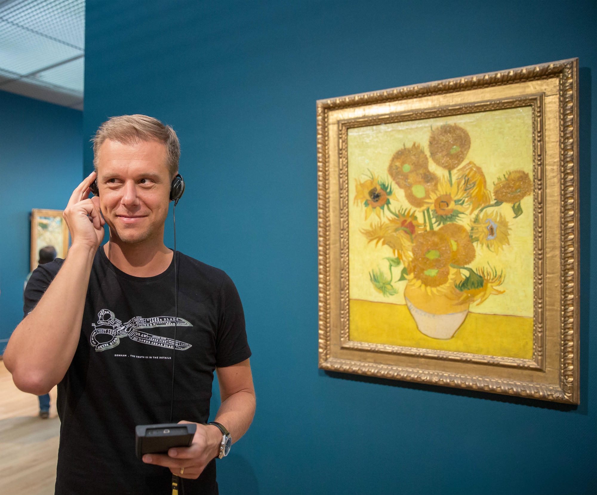 armin-van-buuren-zonnebloemen-foto-floris-heuer-lr